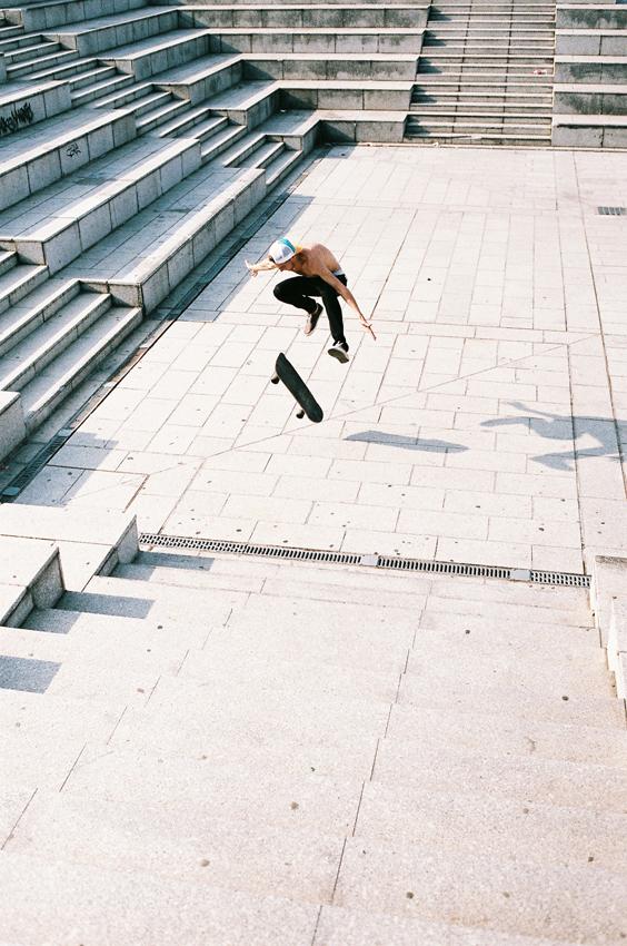 antoine-jump-stairs-bercy
