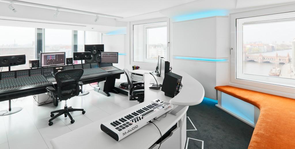 studio music nhow