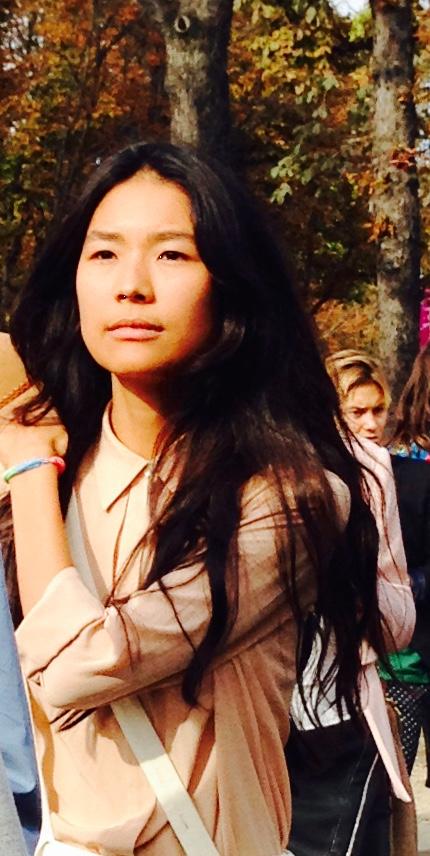 Toute cette folie-fashion-week me laisse indifférente: je suis zen en Jil Sander...