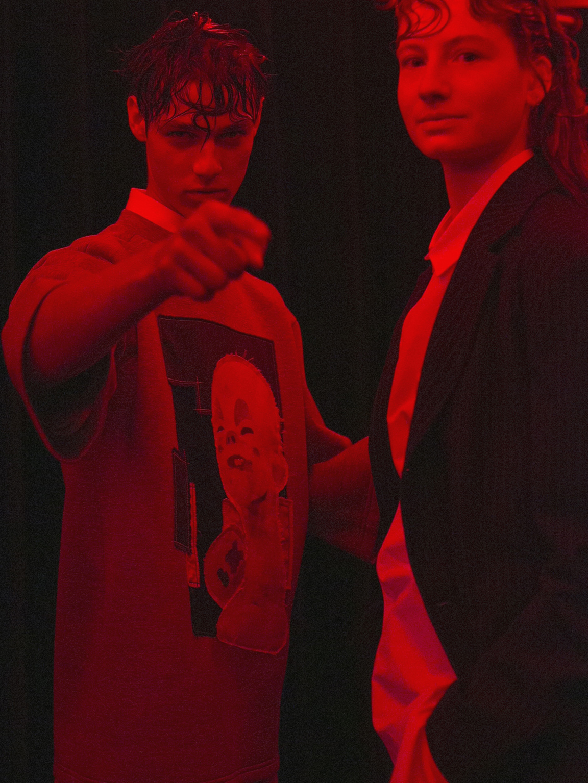 augustin-icosae-ss16-backstage-model-justemagazine-maudmaillard